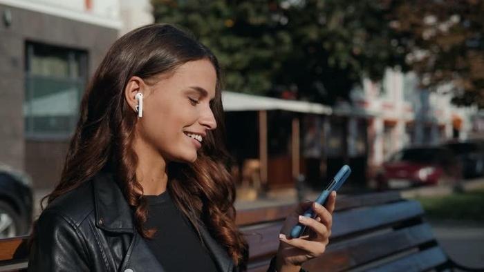 Vì những tính năng ưu việt cùng tiện ích không thể chối cãi mà tai nghe bluetooth dần tìm được chỗ đứng trong lòng người sử dụng