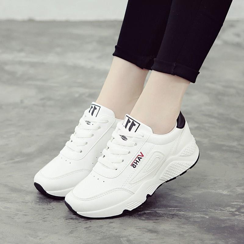 nhung-doi-sneaker-nu-nen-co